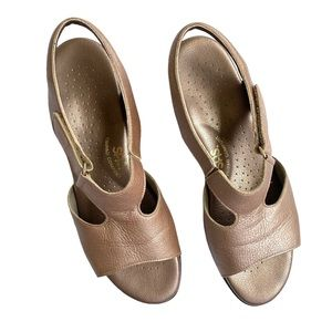 SAS Sandals Size 9 Narrow